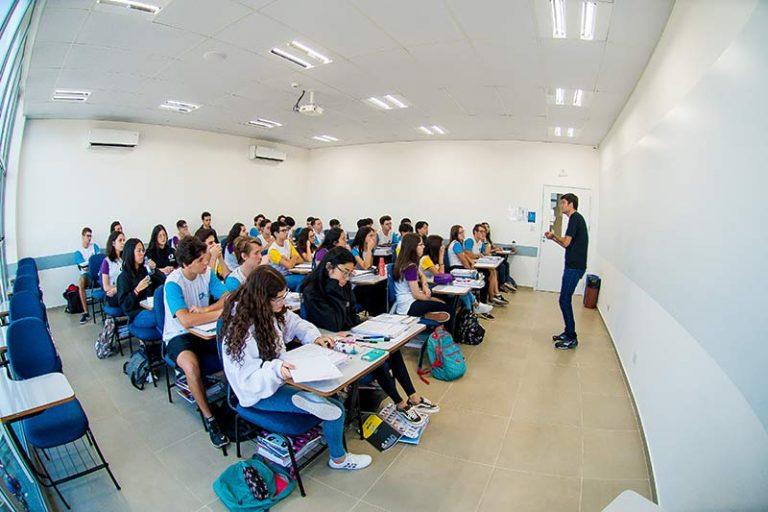 Colégio-Planck-Ensino-Médio-(1)