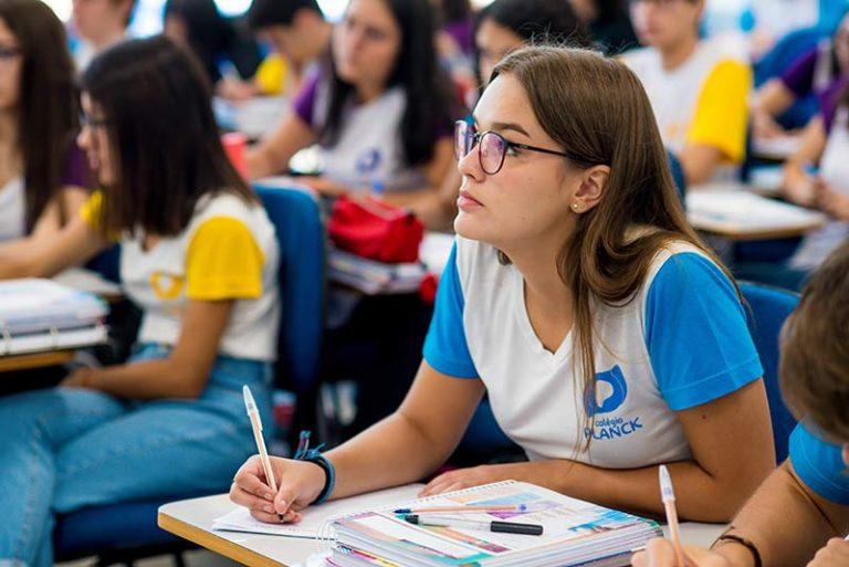 Colégio-Planck-Ensino-Médio-(2)