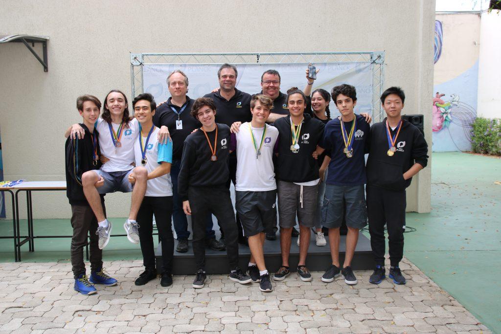 O estudante Ishan Matheus de Campos Unni, do Colégio Planck, faz parte da equipe vitoriosa da Olimpíada Internacional de Economia.